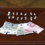 Spacciava agli adolescenti di piazza Cairoli, arrestato pusher 21enne