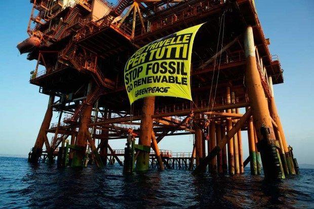 Greepeace contro le trivellazioni in Sicilia (Foto Francesco Alesi per Greenpeace)