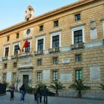 #Palermo. Operai sul tetto del Municipio minacciano di buttarsi