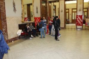 Una protesta dei lavoratori dei servizi sociali FP Cgil