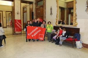 Una delle tante proteste a Palazzo Zanca dei lavoratori dei Servizi sociali per i mancati pagamenti
