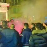 Messina. Febbre da derby: tifosi cantano in centro città