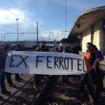 #Messina. Impegni al vento: gli ex Ferrotel bloccano i binari