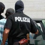 #Palermo. Rapinata in casa e minacciata con un coltello, manette per due giovani