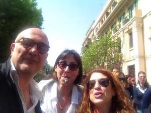 Maurizio Rella con altre due partecipanti al corteo