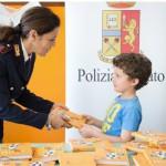 #Agrigento. La Polizia distribuisce i suoi diari agli alunni delle elementari