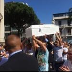 #Messina. A Barcellona lacrime e commozione ai funerali del piccolo Giuseppe