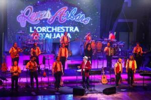 Renzo Arbore e lOrchesta Italiana - 27 Giugno 2015 - SiciliaOutletVillage