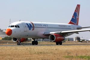 1024px-A320_Windjet