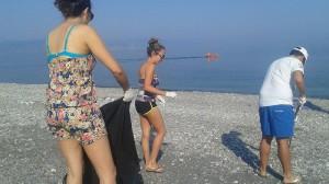 Pulizia spiaggia Barcellona 9-7-2015 c