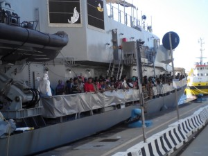 Sbarco migranti 29-7-2015 c