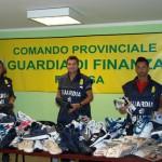 #Ragusa. La Finanza sequestra un migliaio di prodotti griffati contraffatti