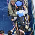 #Migranti. Strage infinita, in 51 muoiono per asfissia nella stiva di un barcone