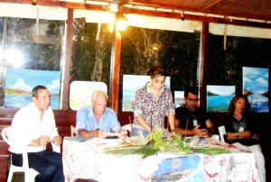 La Giuria composta da: Lino Soraci, Nino Principato, Venera Finocchiaro, Marco Grassi e Tina Maio