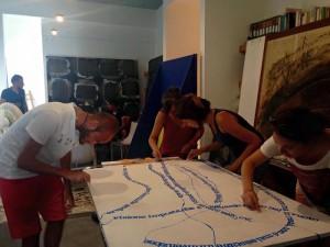Studenti dell'Horcynus Summer School a lavoro su un'opera d'arte