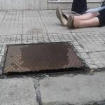 #Barcellona. Signora cade in via Roma per un tombino mai aggiustato