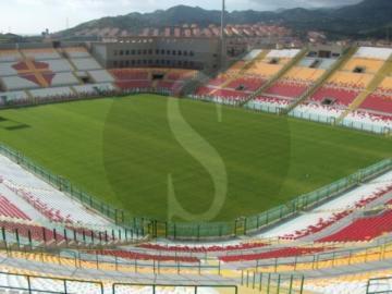 Calcio e coronavirus, il campionato di serie A si potrebbe giocare in Sicilia e Calabria