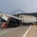#Sant'AgataMilitello. Incidente sulla A20: TIR si ribalta per lo scirocco