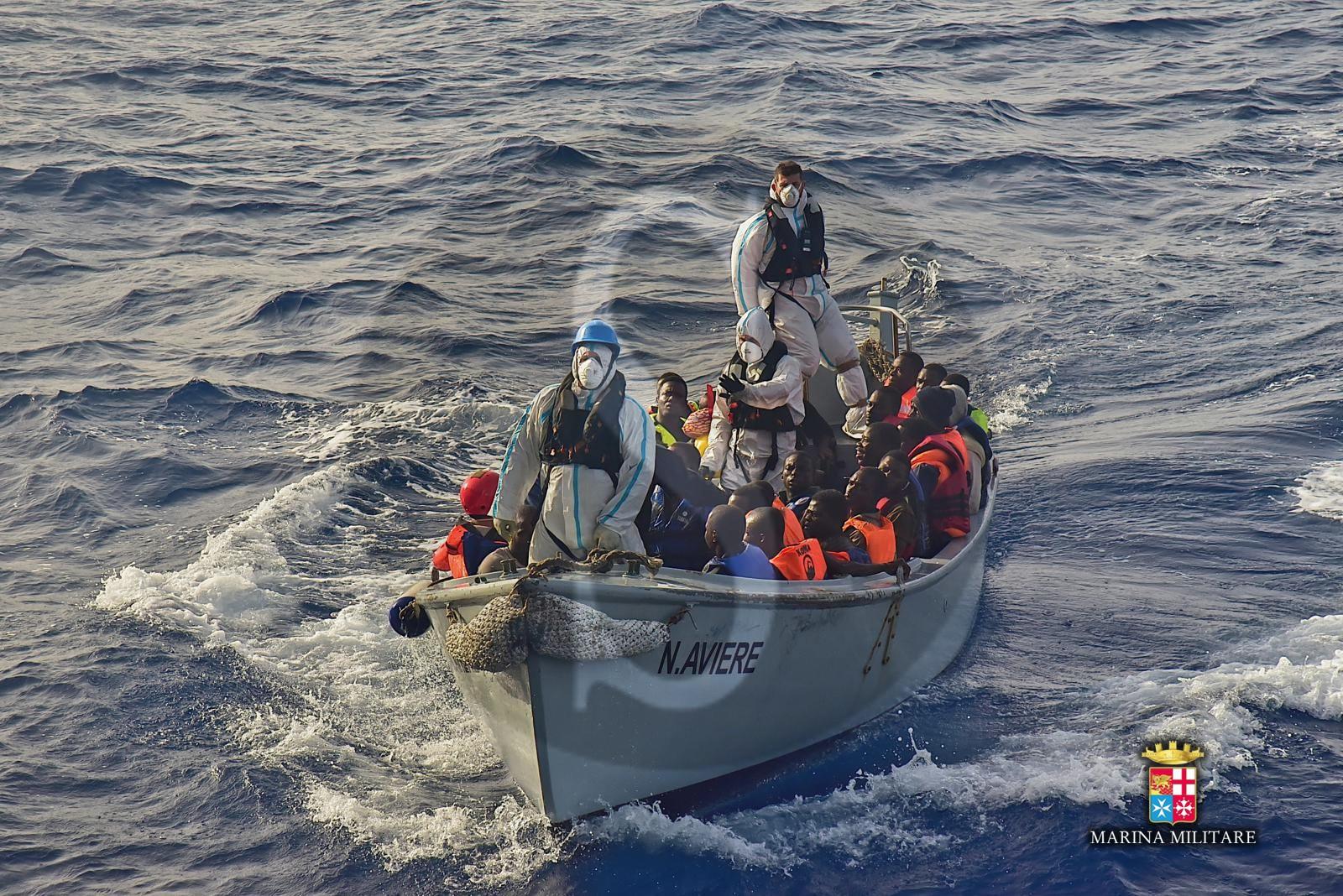 """Coronavirus Sicilia, Musumeci a Conte """"Temo nuovi sbarchi, si attrezzi una nave per la quarantena degli immigrati"""""""