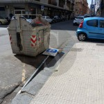 #Messina. Cassonetti superstiti, pali divelti e auto parcheggiate male: scene di ordinaria cialtroneria