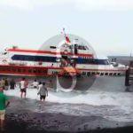 #Stromboli. Aliscafo contro il molo per lo scirocco