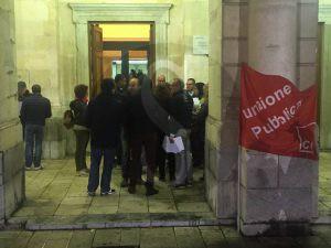 Protesta della FP Cgil al teatro Vittorio Emanuele