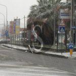 #Barcellona. Crolla palo della pubblica illuminazione nella zona di San Giovanni