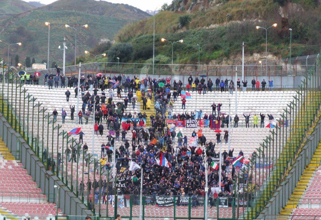 Incidenti tra ultras: rissa tra tifosi di Catania e Cavese