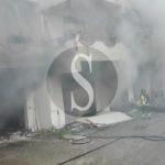 #Barcellona. Incendio in una palazzina, i Vigili del Fuoco liberano una donna