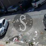 #Cronaca. Rifiuti e buche in via San Rocco a Barcellona, l'allarme dei residenti