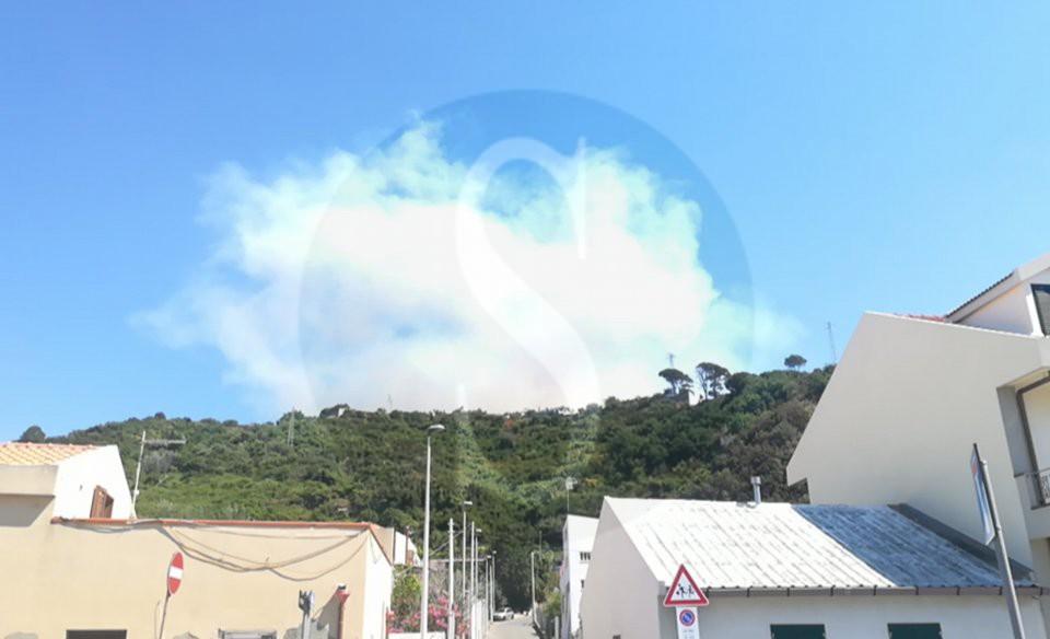 Ancora incendi in Sicilia: in cenere una valle dell'Ennese