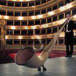 Musica. Filarmonica Laudamo, al Palacultura il duo Alphorn & Bayan in concerto