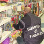 Cronaca. Sequestrati 100.000 articoli di Halloween illegali in un megastore cinese a Ragusa