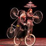 Teatro. Magia, illusionismo, acrobazie e tanta poesia al Biondo di Palermo con Le Cirque Invisible