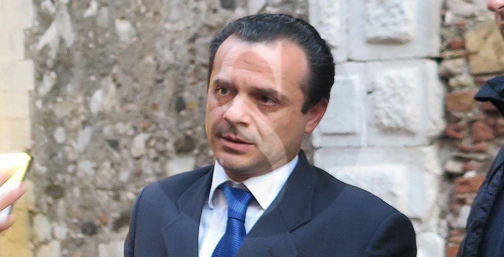 """Ordinanza migranti sospesa dal TAR, De Luca a Musumeci: """"Ora scenda dal piedistallo e governi la Sicilia"""""""