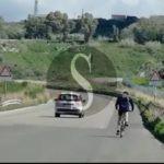 Cronaca. Panico in autostrada: percorre in bicicletta la Messina-Palermo
