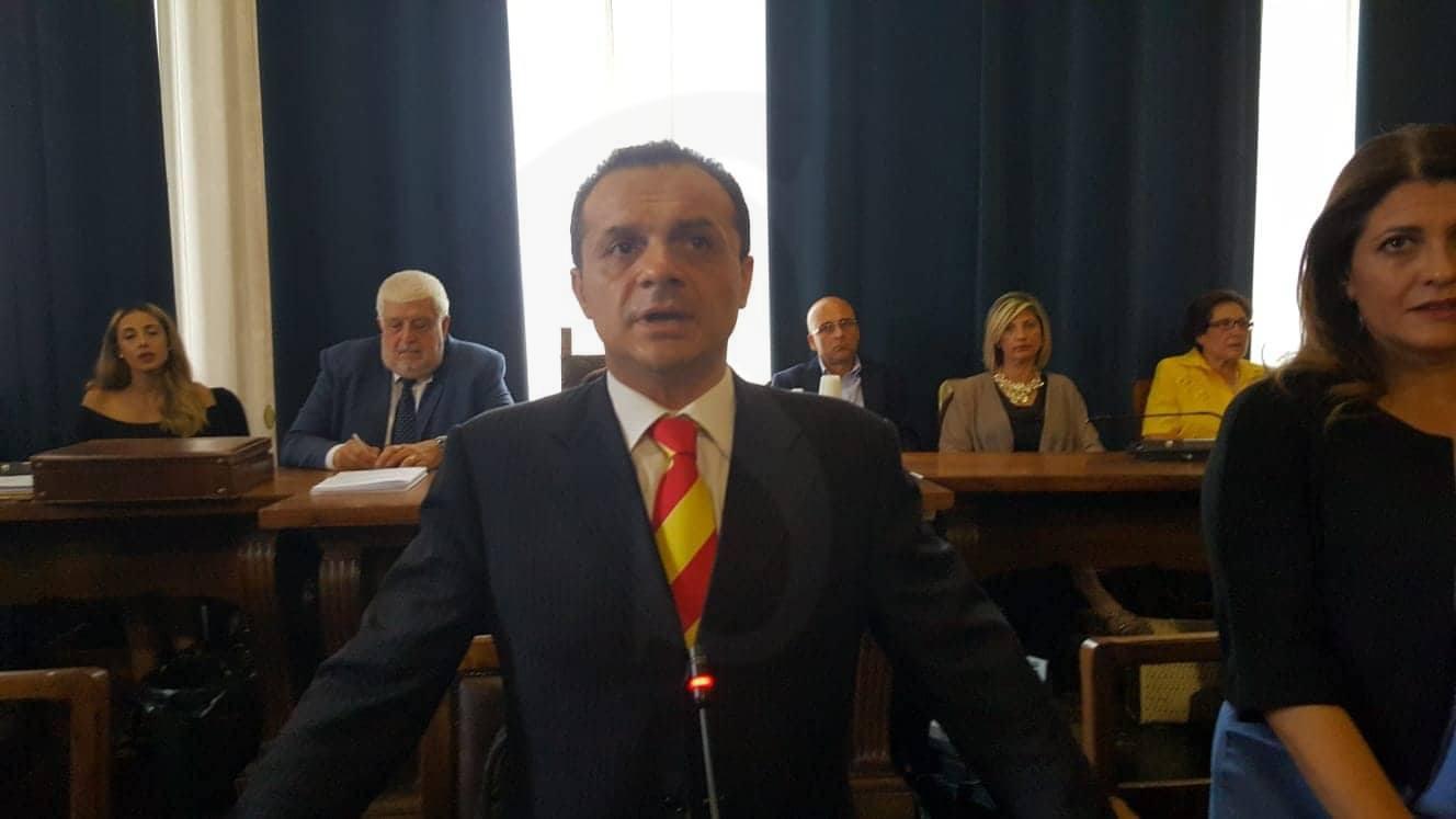 """Emergenza migranti, CMdB contro De Luca: """"Dichiarazioni gravi, denunciamo il sindaco"""""""