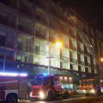 Cronaca. Incendio all'ex hotel Riviera: in fiamme il quarto piano
