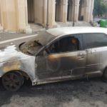 Cronaca. Messina, in fiamme l'auto del sindaco di Novara di Sicilia Girolamo Bertolami