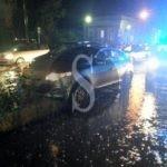 Cronaca. Maltempo a Messina: auto finisce sul cordolo del tram e lo blocca per un'ora