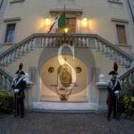 Messina ricorda i 5 siciliani caduti a Nassiriya, il ministro Trenta arriva in ritardo e non si scusa