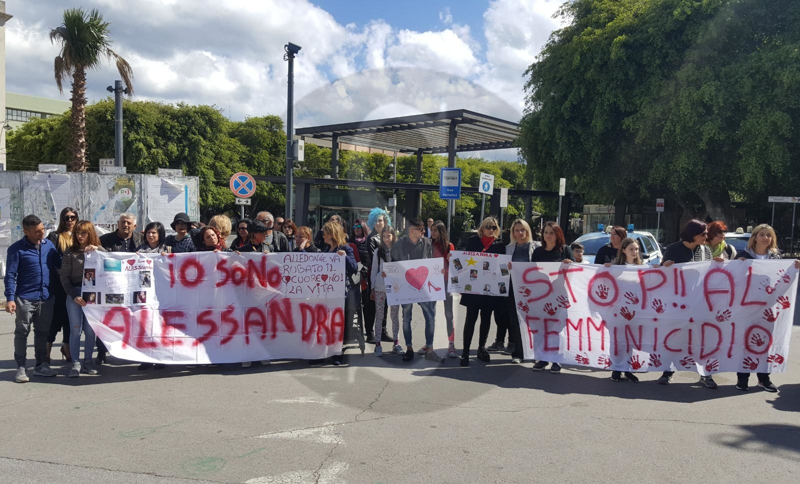 Partita la marcia silenziosa per Alessandra Musarra, vittima di femminicidio