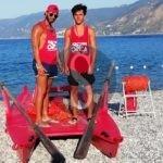 Messina, cane e padrone rischiano di annegare: salvati da due bagnini a Torre Faro