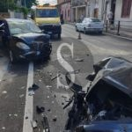 San Filippo del Mela, violento scontro ad Archi: feriti e auto distrutte