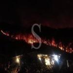 Barcellona PG, le fiamme tornano a divampare tra Gala e Migliardo: paura tra i residenti