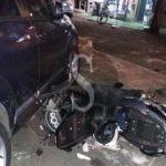 Messina, incidente in viale Annunziata: anziano taglia la strada a uno scooter, centauro finisce su un'auto in sosta