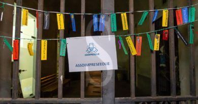 Rovinati dal coronavirus, imprenditori consegnano le chiavi delle aziende al Comune di Lipari